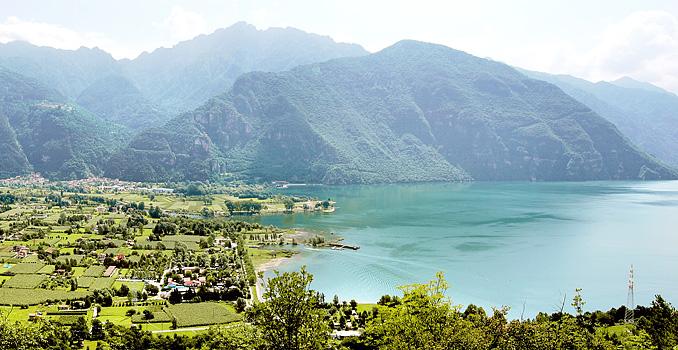 Bild zeigt den Idrosee in Italien